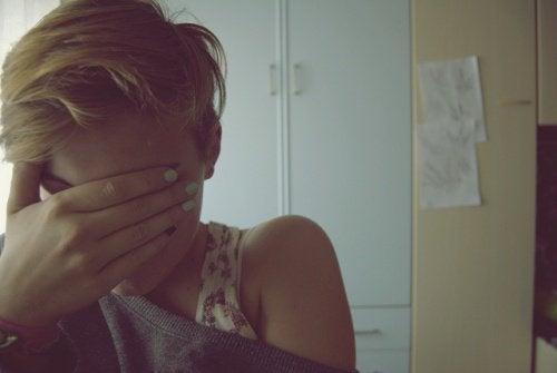 Kvinde med angstanfald