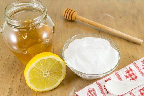 Natron blandet med honning