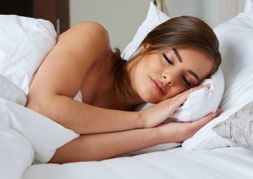 Kvinde der sover - sove godt
