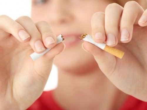 Du kan stoppe med at ryge med 15 psykologiske handlinger
