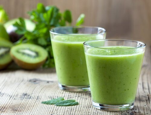 Smoothie med spinat og appelsiner