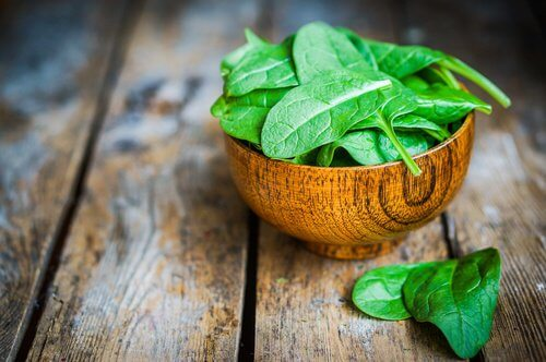 Spinat - Forebyg oejenforkalkning