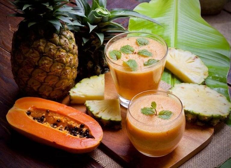 Papaya og ananas smoothie