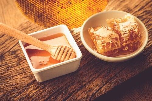 Honning - bekaempe soevnloeshed