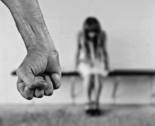 Lær, hvordan du identificerer en børnemishandler