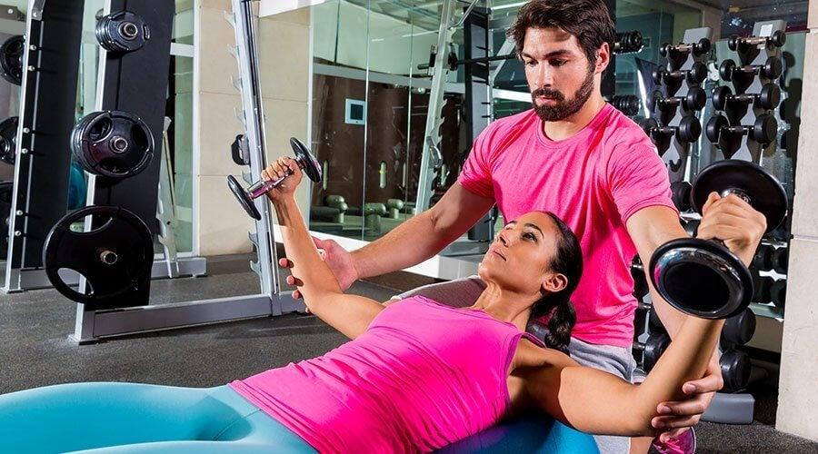 Armmuskel øvelser med vægte