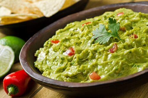 Prøv denne lækre opskrift på hjemmelavet guacamole