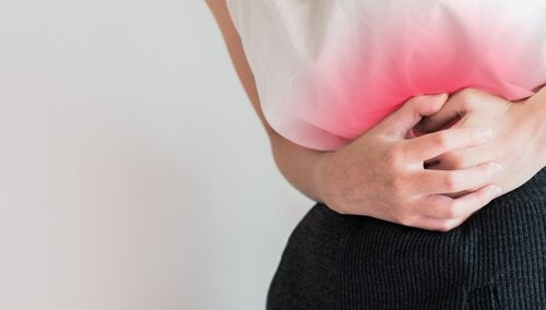 Kvinde med menstruationskramper