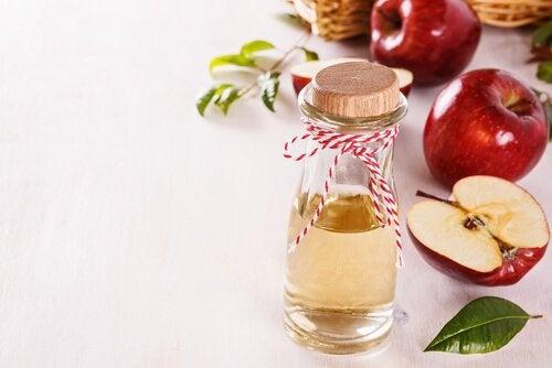 Æblecidereddike med vand tonic
