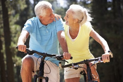 Aeldre par der cykler