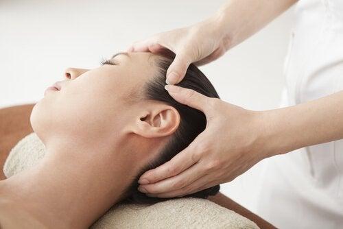 Kvinde der faar massage