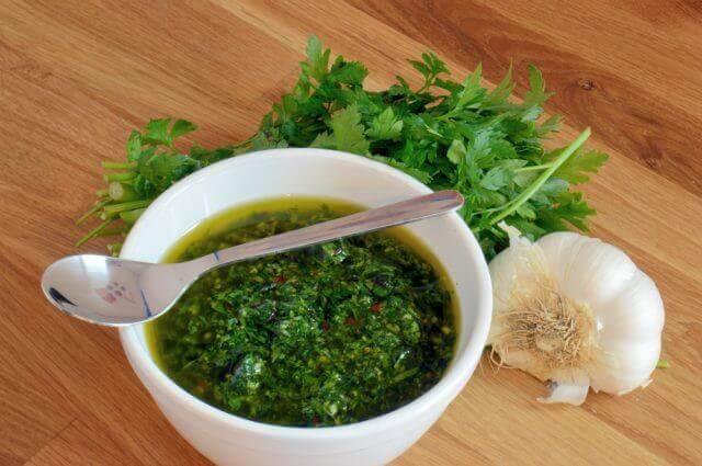 Lav din egen hjemmelavede chimichurri