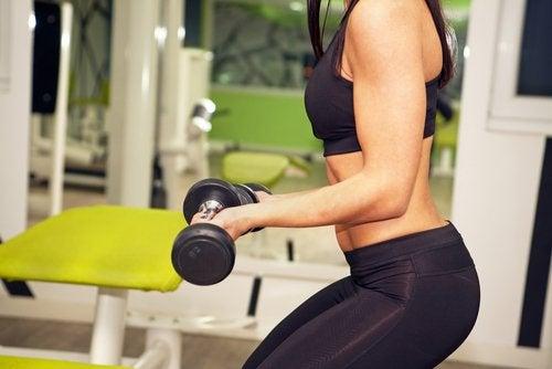 Hvad er bedst når du træner: Mere vægt eller flere gentagelser?