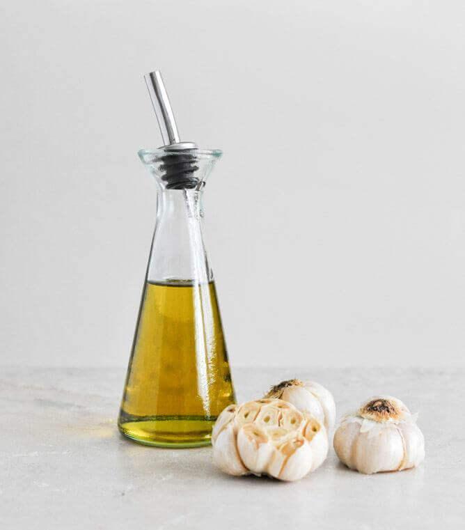 Olivenolie og hvidloeg
