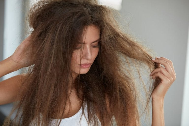 Tilføj dit hår fugt med disse 5 naturlige behandlinger