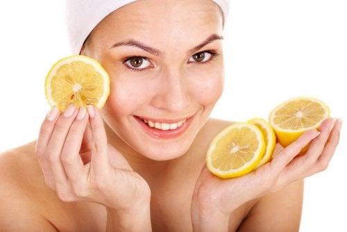 Ansigt med citroner