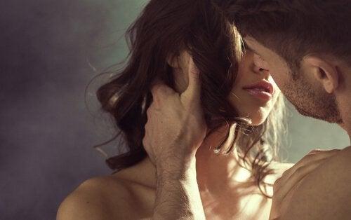 Kysser med hinanden - seksuelt forhold med din partner