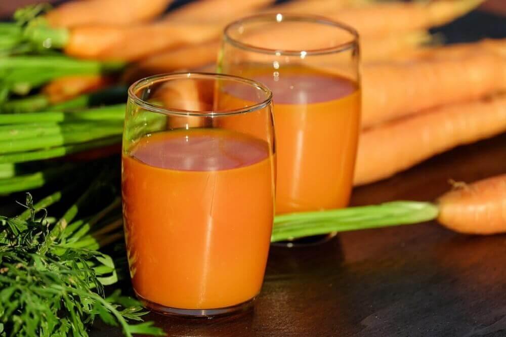 Løg og gulerodssaft