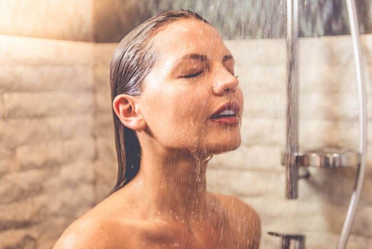 7 overraskende fordele ved at tage kolde brusebade om morgenen