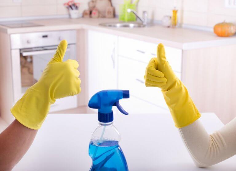 De bedste måder til at desinficere dit badeværelse