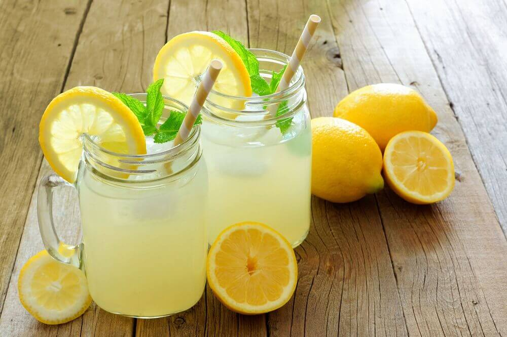 Vand og citron