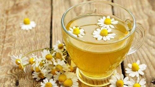 Et glas med Kamille te