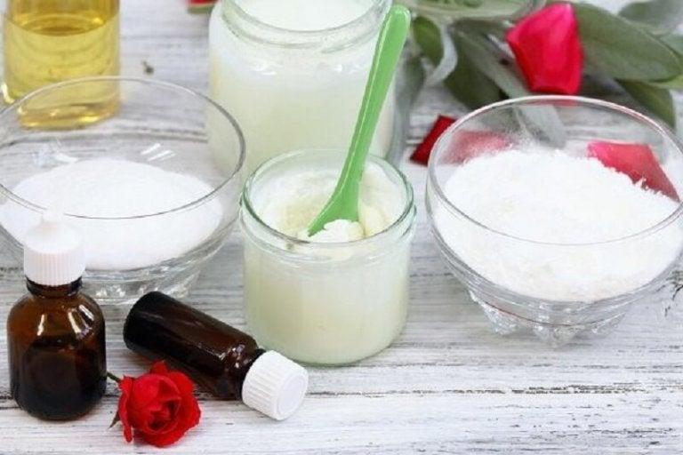 brug bagepulver og kokosolie på huden