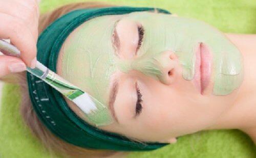 Groen ansigtsmaske