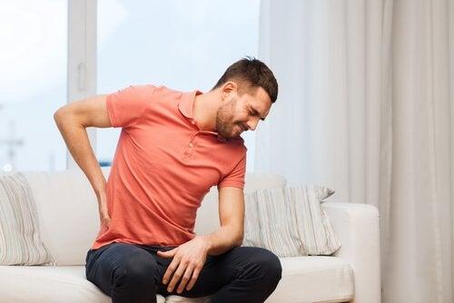 6 mulige årsager til at du har ondt i ryggen