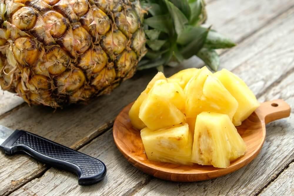 Smaa skiver ananas