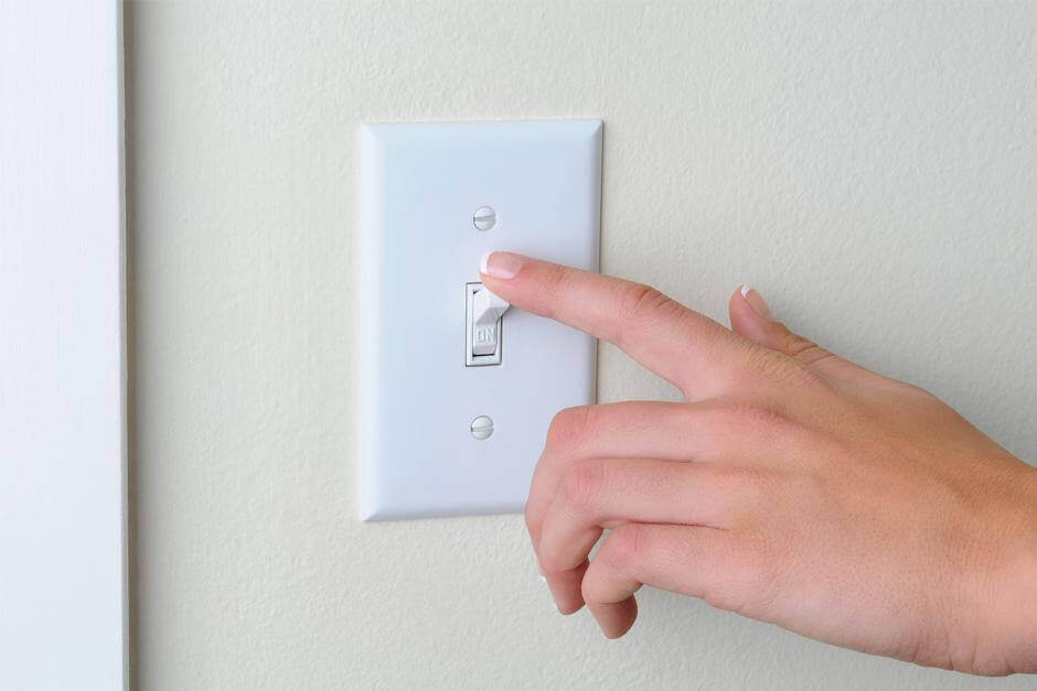 Person der slukker lyset - rengoere dagligt