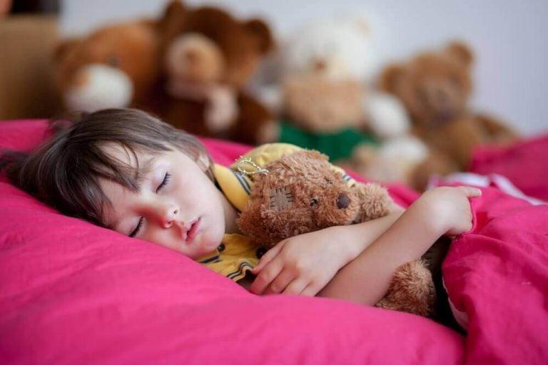 Fire grunde til, at sene sengetider er skidt for dit barn