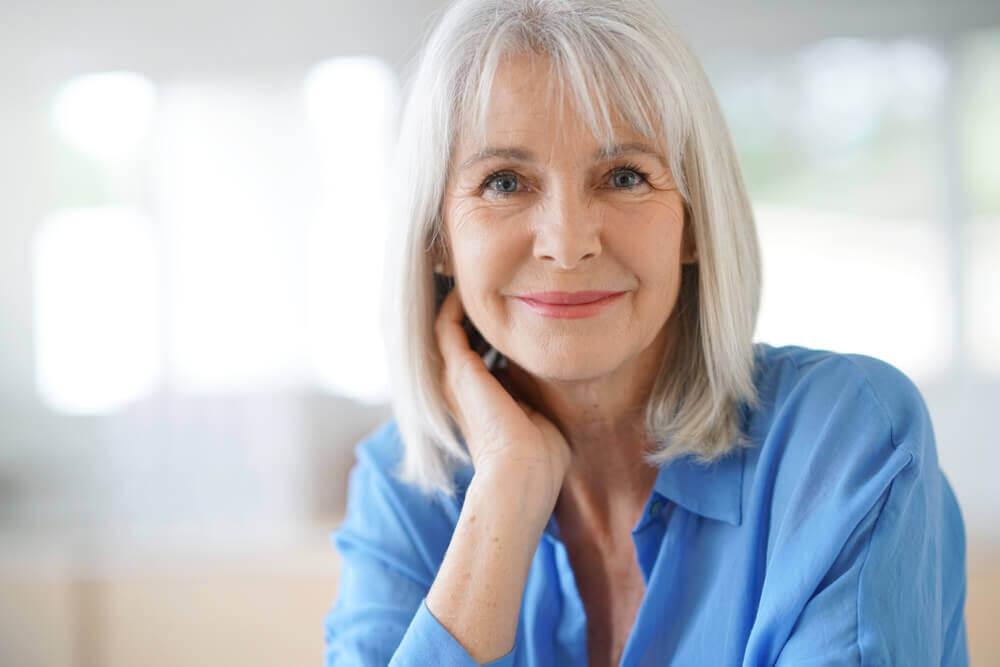 Tre hjemmelavede tricks til at dække grå hår