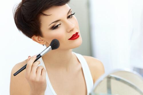 Kvinde med makeup