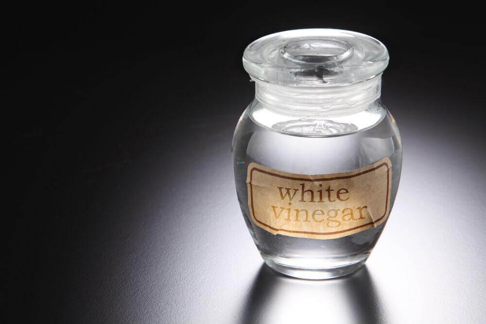 Hvid eddike til at behandle hovedbundssvamp