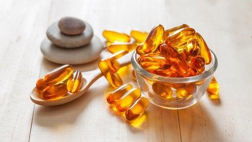 Vitaminpiller i en glasskål
