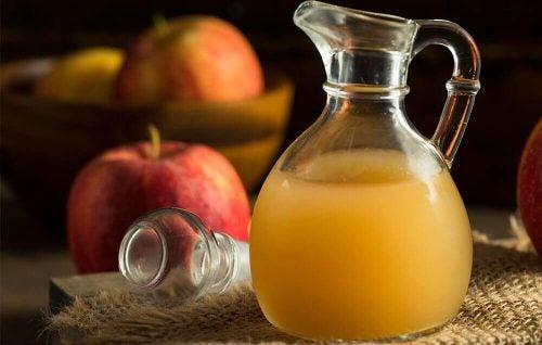 Kande med aeble cider eddike