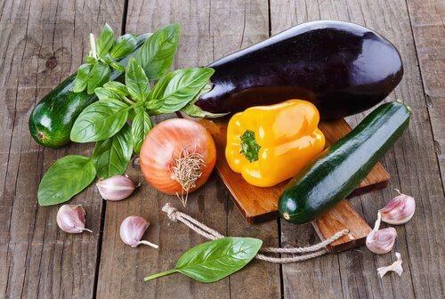Alkalisk kost - naturligt at bekaempe roede oejne