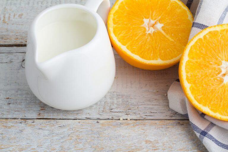 Appelsin skaaret i halve - lysne leverpletter