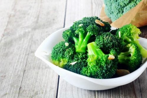 Skaal med broccoli