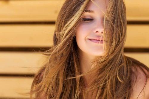 5 måder rosmarin kan bruges til håret