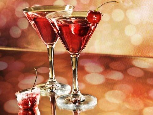 Alkohol kan også forhøje ens urinsyreniveau. Derfor bør man undgå for meget alkohol.