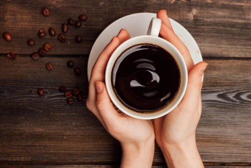 En sort kop kaffe
