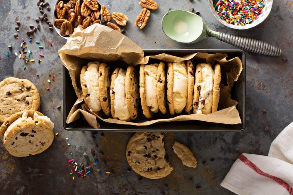 Lækre småkager med creme.