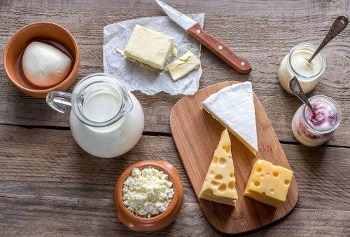 Mejeriprodukter indeholder lysin, som er godt for kroppen og produktionen af kollagen.