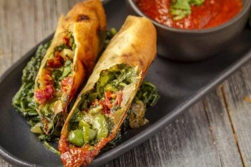 Spinat pandekager med groentsager