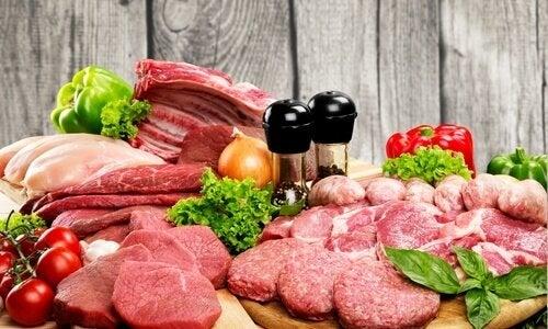 Nogle typer kød er gode at spise, hvis du vil tilføre mere kollagen til din hud.