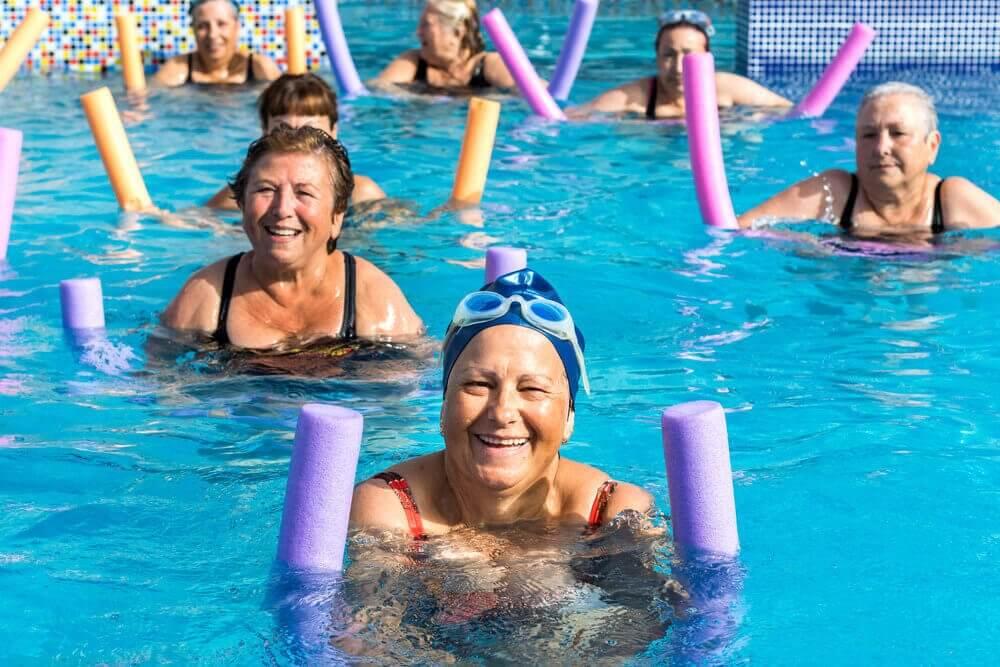 Vand aerob træning for pensionister