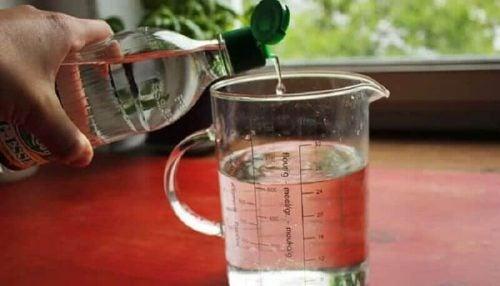 Vand og eddike