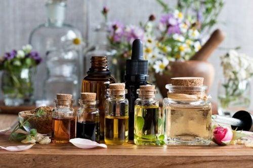 5 æteriske olier og deres fordele for krop og sind